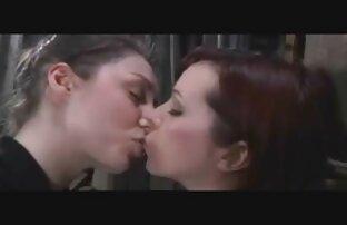 Kobiety ścigają faceta ze słodką dziewczyną ostre film porno