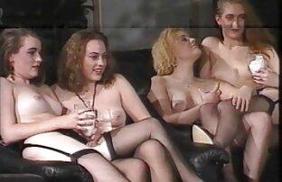 Ładna Blondynka osiąga orgazm, płaska ostre darmowe ruchanie