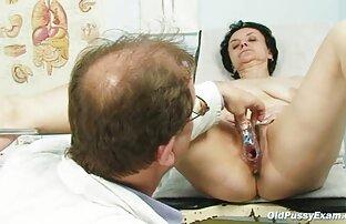 Ciemnoskóra sekretarka w swoim biurze ostry sex za darmo za nagrodę szefa