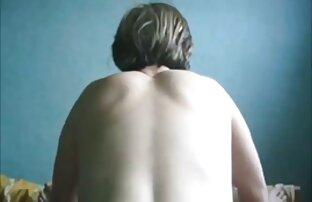 Azjatka, która chce pomóc ostre filmy porno za darmo dwóm amatorskim rozrywkom