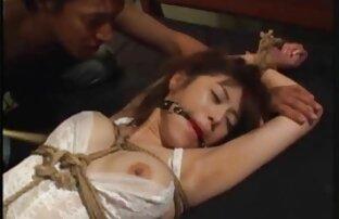 Dziewczyny po przejściu przez ostry sex filmy porno za darmo las zastąpiły właściciela norą.